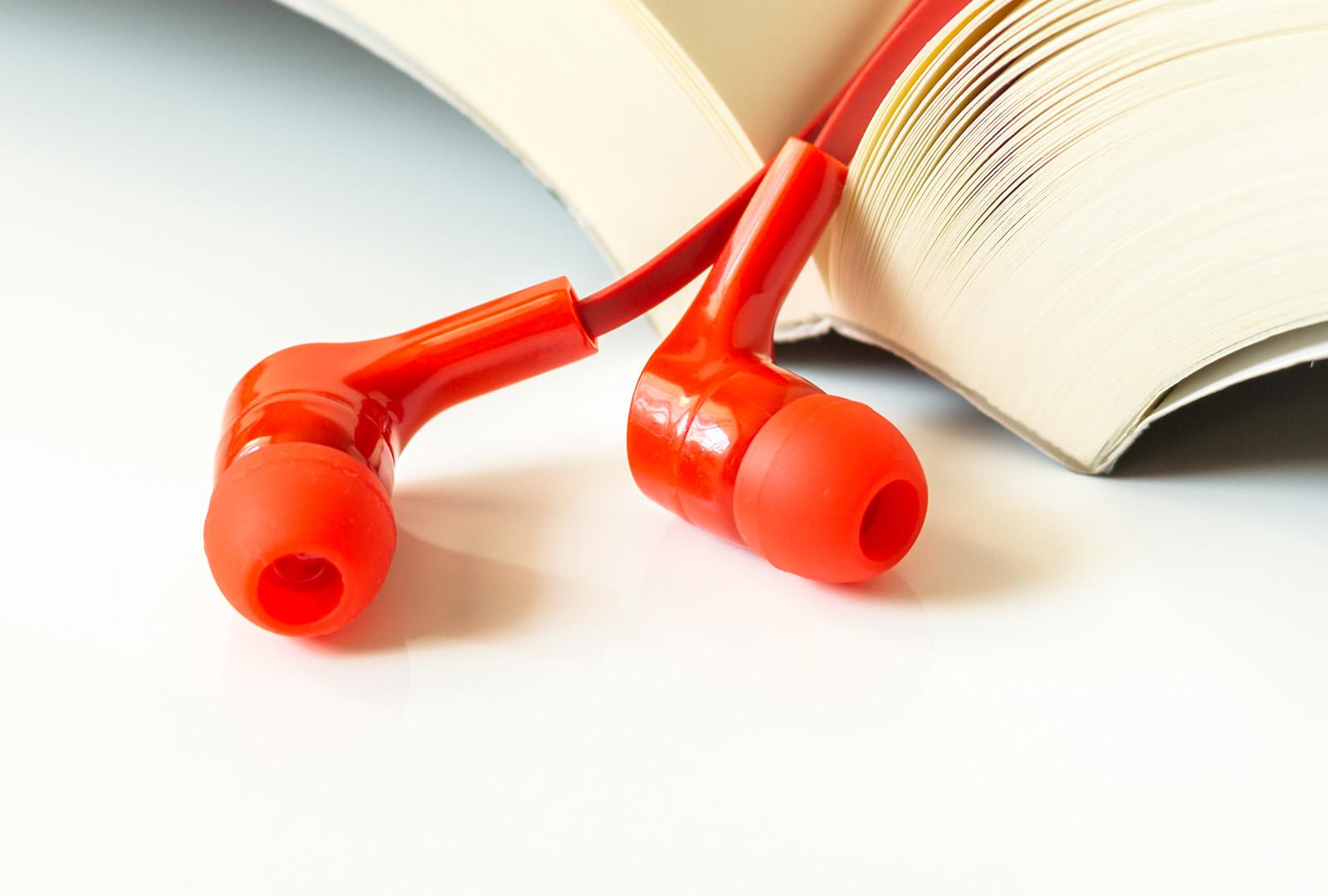 Här har vi samlat våra artiklar kring ersättningsmodeller av ljudböcker på streamingföretag